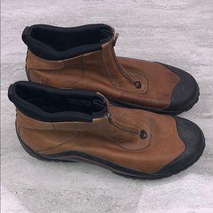 Clarks Muckers Mid Zip Waterproof Boots Size 11